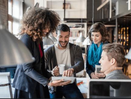 Vandaag denkt 54% van de werknemers dat werkgevers AI en andere technologie zullen gebruiken om de werkervaring te verbeteren.