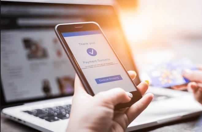 Sinds maandag 3 december kunnen e-verkopers gebruikers niet langer doorsturen naar hun nationale site om te voorkomen dat ze profiteren van goedkopere tarieven die elders worden aangeboden.